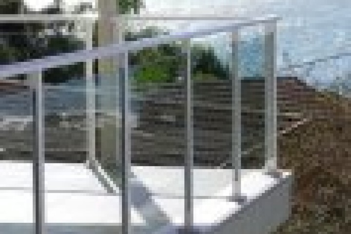 Hunter Fencing Company Glass balustrading 720 480